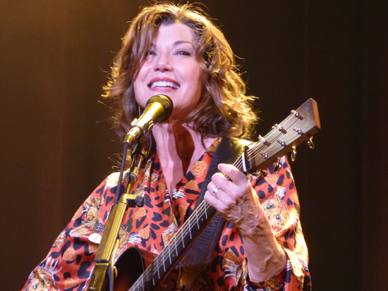 Amy Grant on stage.