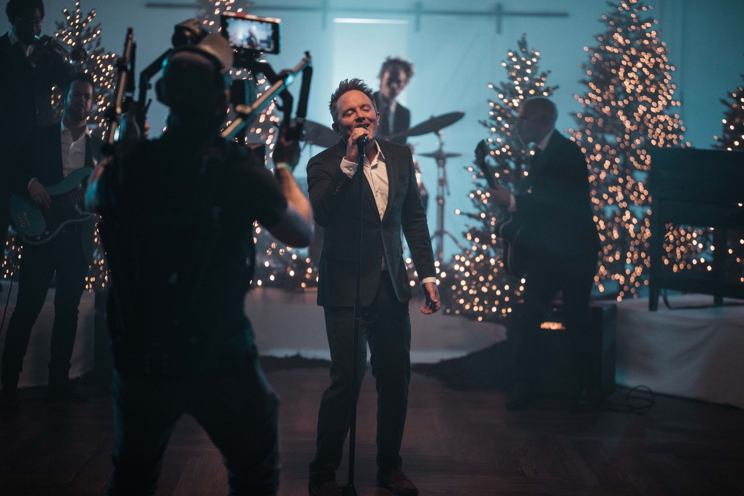 Chris Tomlin Christmas Tour 2021 Chris Tomlin Becomes First Christian Genre Artist To Exclusively Premiere Music Video On Facebook