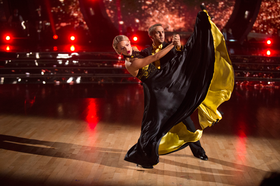 `Dancing with the Stars`: Witney Carson and Frankie Muniz perform on the semifinal episode. (ABC photo by Eric McCandless)