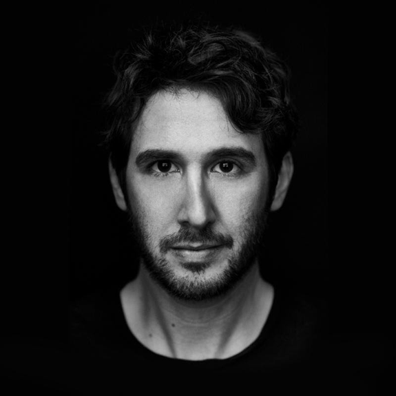 Josh Groban Announces Arena Tour with Idina Menzel