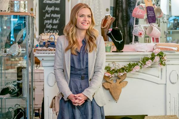 'Wonderful' Maggie Lawson promises shenanigans afoot in Hallmark Channel  film 'My Favorite Wedding'