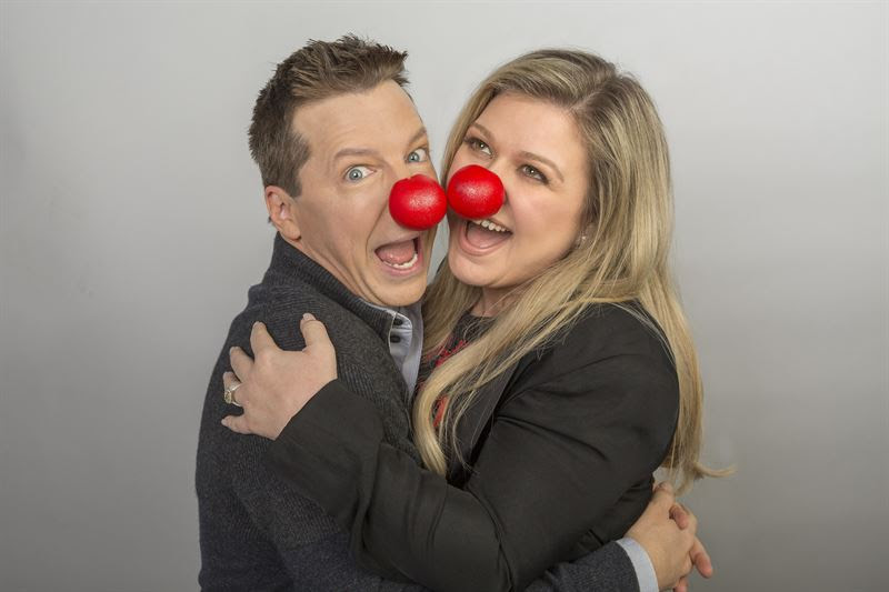 Sean Hayes, Kelly Clarkson, and their red noses. (NBC photo)