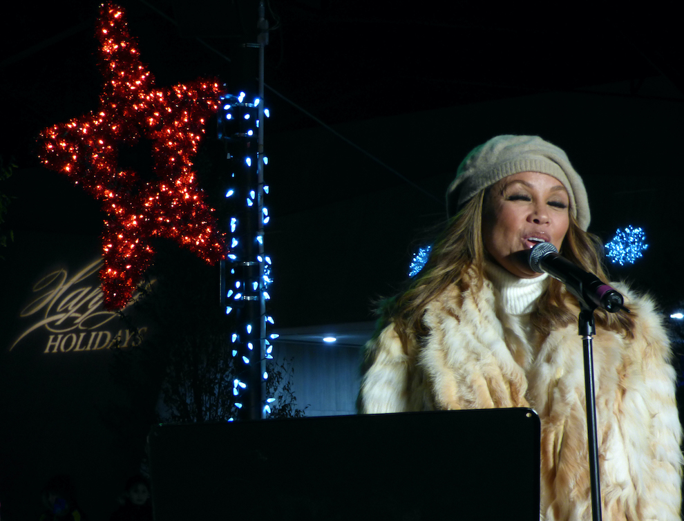 Vanessa Williams performs outside of Seneca Niagara.