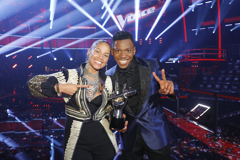 'The Voice' Winner Chris Blue Sings REM's