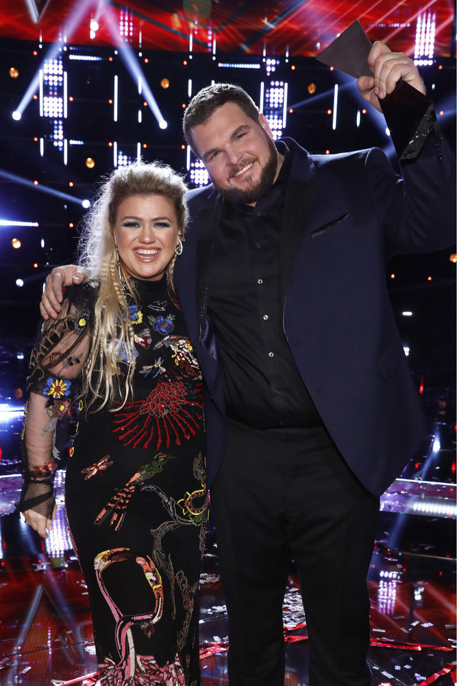 `The Voice` `Live Finale Results`: Kelly Clarkson with Jake Hoot. (NBC photo by Trae Patton)