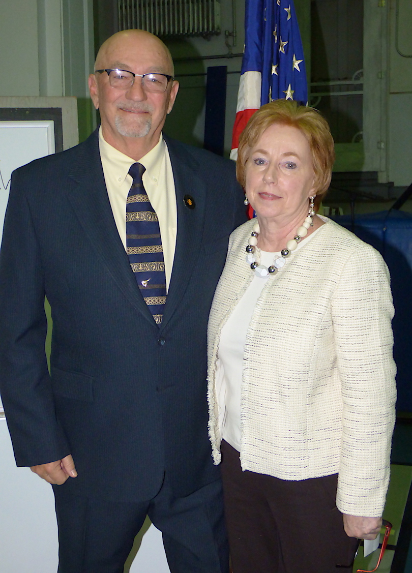 Bruce Sutherland and Anne Welch will vie for the office of mayor.