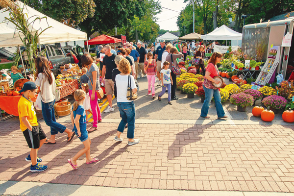 Crowds flock to a past Harvest Festival. (Photo provided by the Chamber of Commerce)