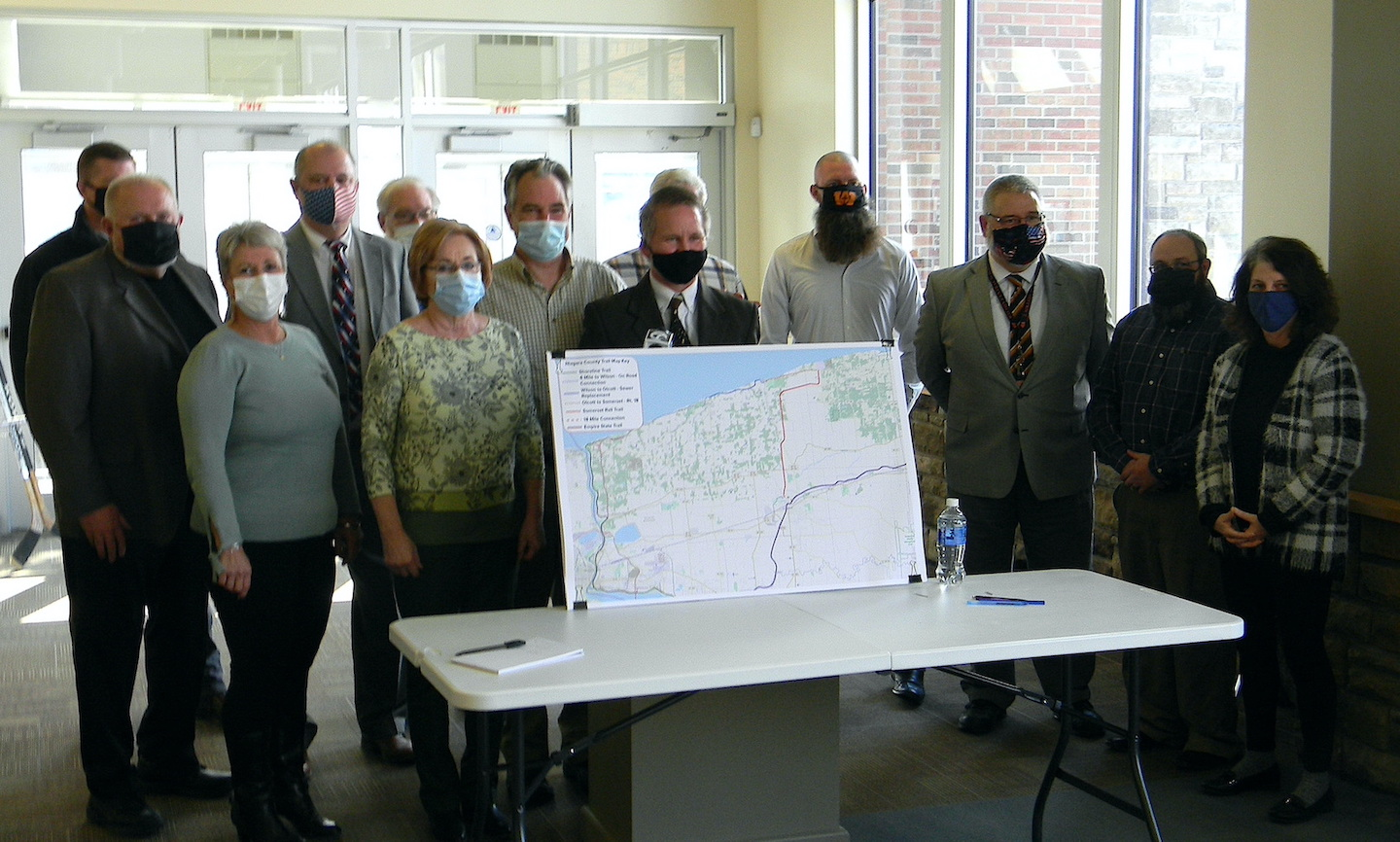Municipal leaders of the Northern Niagara Regional Trail Network gather for a group photo.