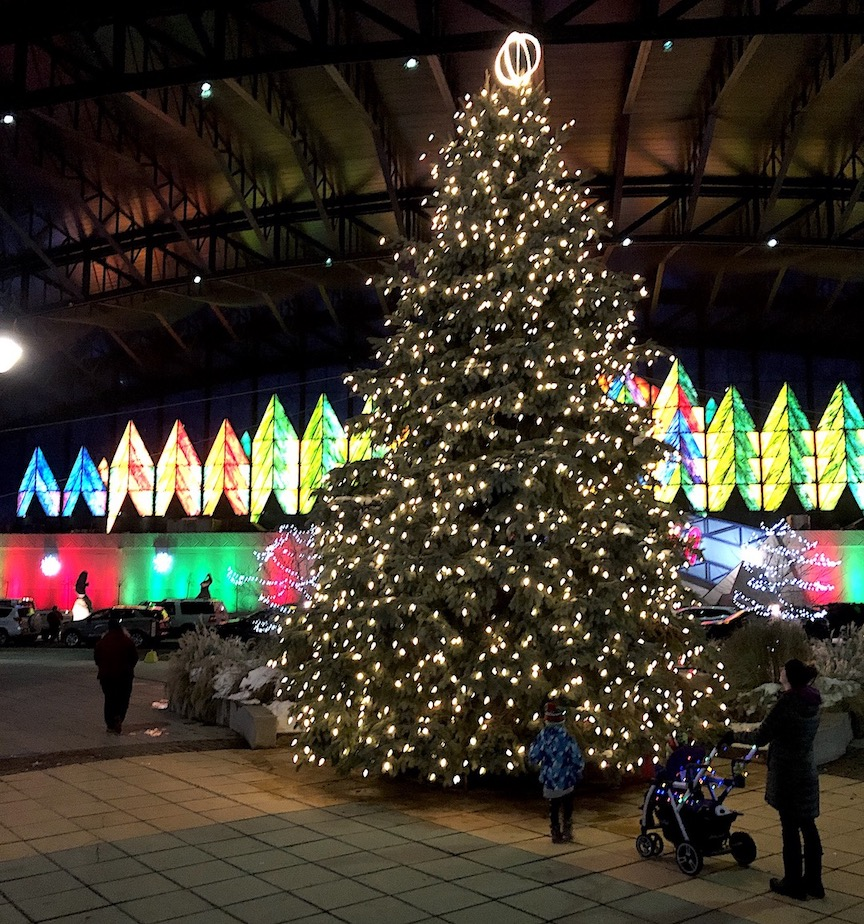 The Christmas tree is shining bright at Seneca Niagara Resort & Casino.