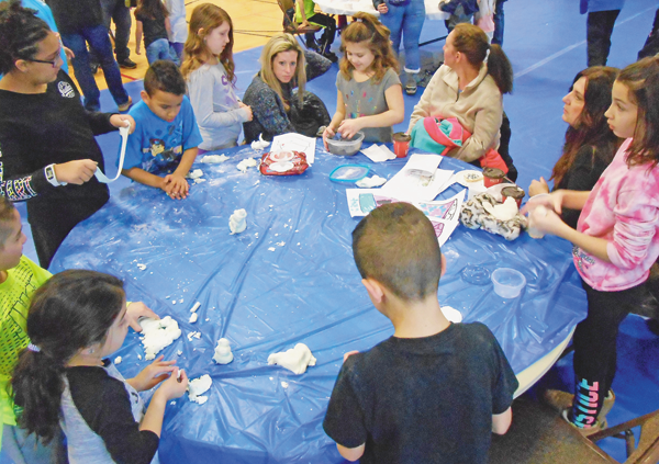 Children were able to create crafts during the Wheatfield Winterfest. (Photo by Justin Higner)