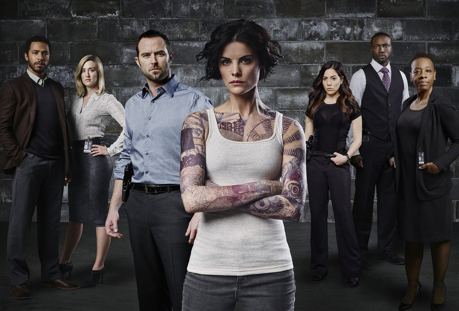 `Blindspot` - Pictured, from left: Ukweil Roach as Borden, Ashley Johnson as Patterson, Sullivan Stapleton as Kurt Weller, Jaimie Alexander as Jane Doe, Audrey Esparza as Tasha Zapata, Rob Brown as Edgar Ramirez and Marianne Jean-Baptiste as Bethany Mayfair. (Photo by Sandro/NBC; click to enlarge)