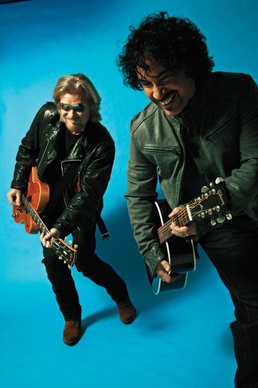 Daryl Hall & John Oates (Photo by Mick Rock)