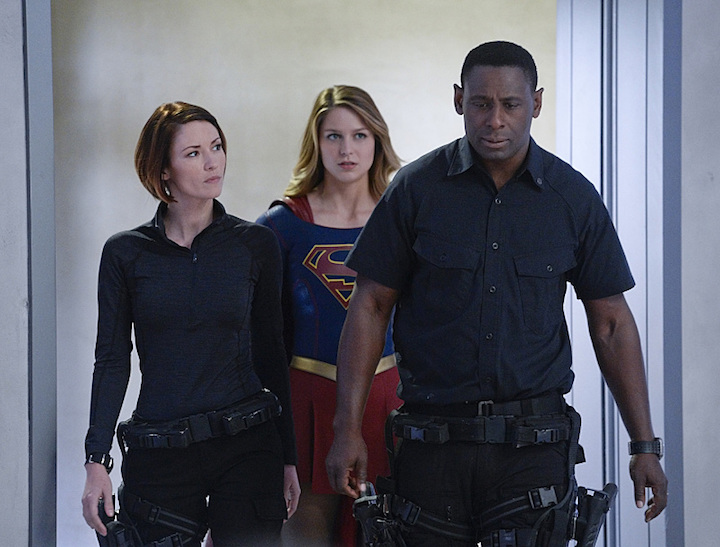 """Strange Visitor From Another Planet"": Kara (Melissa Benoist, center) must help Hank (David Harewood, right) face his painful past when a White Martian, a member of the alien race that wiped out his people, kidnaps Sen. Miranda Crane, an anti-alien politician, on"