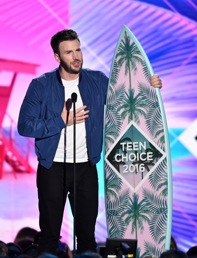 Teen Choice 2016: Chris Evans accepts the award for Choice Movie Actor: Sci-Fi/Fantasy onstage at Teen Choice 2016 Sunday on FOX from The Forum in Los Angeles. (Photo by Vince Bucci/FOX ©2016 Fox Broadcasting Co.)