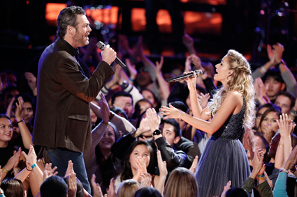 """The Voice"": Blake Shelton performs with Emily Ann Roberts."