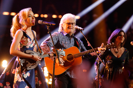 """The Voice"": Emily Ann Roberts sings with Ricky Skaggs. (NBC photo by Trae Patton)"