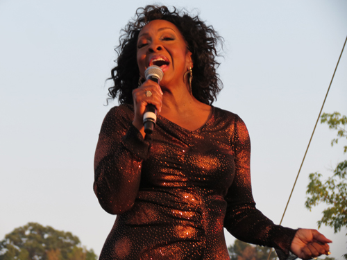 Gladys Knight performs at Artpark. (photo by Joshua Maloni)