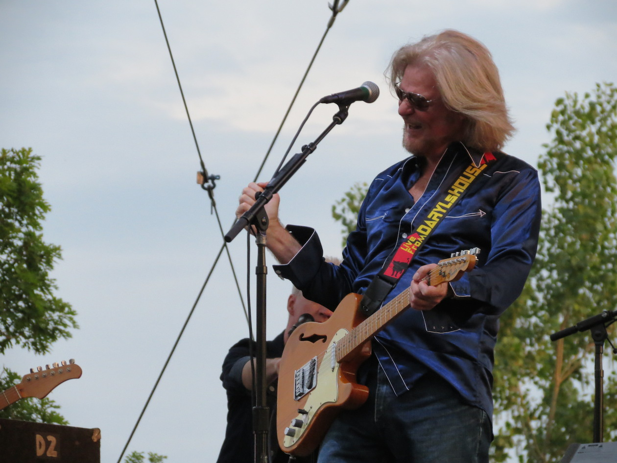 Daryl Hall performs at Artpark.