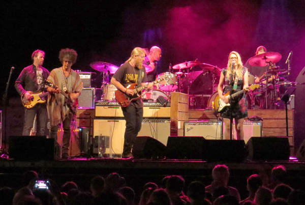 Tedeschi Trucks Band performs at Artpark.