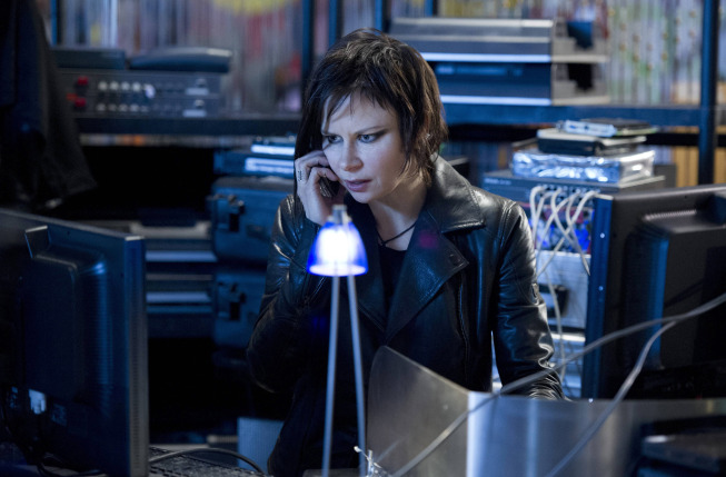 """24: Live Another Day"": Chloe (Mary Lynn Rajskub) helps Jack in the ""2:00 PM - 3:00 PM"" episode airing Monday, May 19 (9 p.m.), on FOX. (photo by Chris Raphael/FOX)"