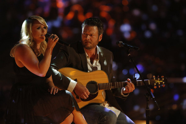 Miranda Lambert and Blake Shelton pay tribute to Oklahoma on `The Voice.` (NBC Photo by Trae Patton)