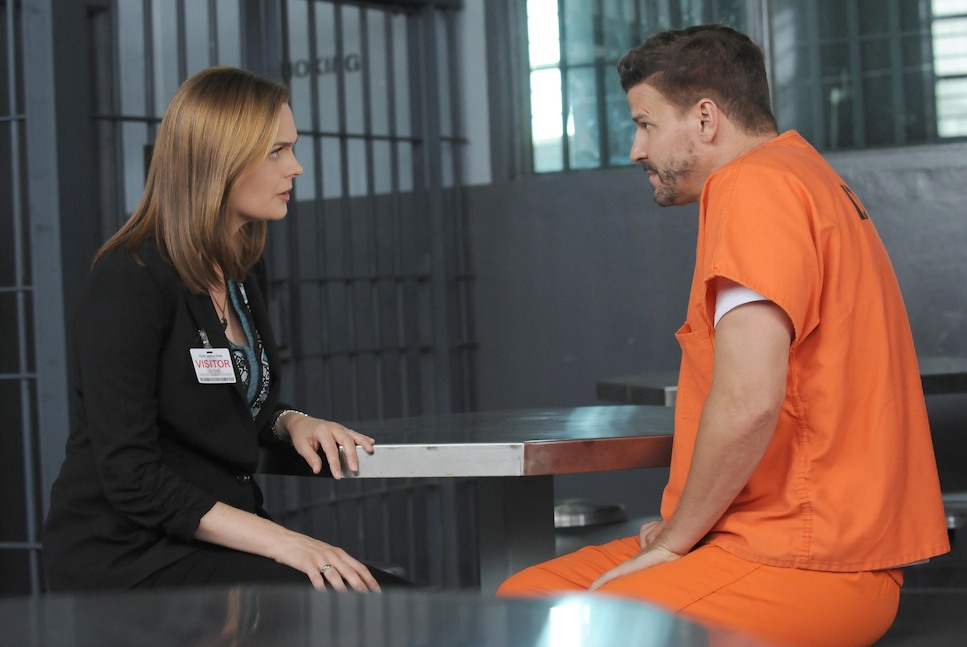 `Bones`: Brennan (Emily Deschanel) visits Booth (David Boreanaz) in jail in the `The Conspiracy in the Corpse` season premiere episode airing on FOX Thursday, Sept. 25 (8 p.m. ET/PT). (FOX photo by Ray Mickshaw)