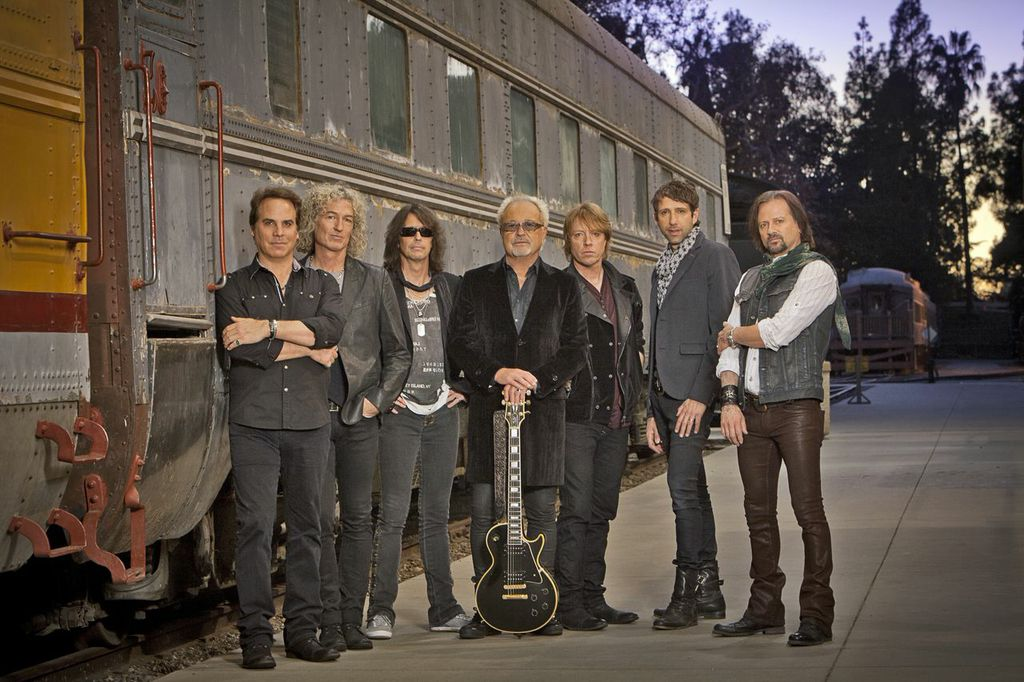 Foreigner performs Saturday in Niagara Falls. Click for a larger image.