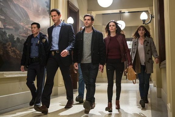 `Grimm`: Pictured, from left: Reggie Lee as Sgt. Wu, Sasha Roiz as Captain Renard, David Giuntoli as Nick Burkhardt, Bitsie Tulloch as Juliette Silverton and Bree Turner as Rosalee Calvert. (NBC photo by Scott Green)
