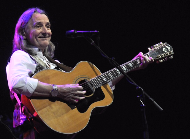 Roger Hodgson in concert Friday at the Seneca Niagara Events Center in Niagara Falls. (photo by Sophia Smith)
