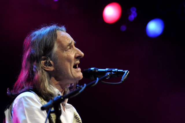 Roger Hodgson in concert at the Seneca Niagara Events Center. (photo by Sophia Smith)