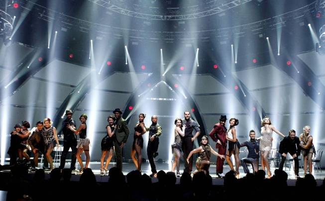 `So You Think You Can Dance`: The top 20 contestants performed a group dance routine to `Wonderwall,` choreographed by Ivan Koumaev, in Tuesday's season finale episode on FOX. (photo ©2013 FOX Broadcasting Co./credit: Adam Rose)