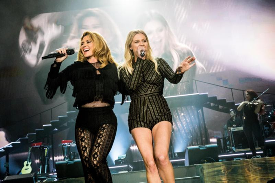 Shania Twain, left, performs with Kelsea Ballerini. (Photo by Brantley Gutierrez sent by BB Gun Press)