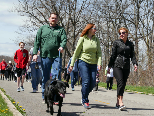 `Walk for Niagara` participants enjoy fresh air and sunshine while raising money for Community Missions.