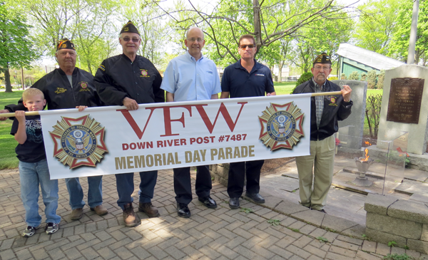 Pictured, from left, are Danny Tosetto, Veterans of Foreign Wars Downriver Post 7487 member Harry Raby, Cmdr. Bill Justyk, Alfred Frosolone of Niagara's Choice, Robert Trunzo of Modern and Adjutant Norm Machelor.