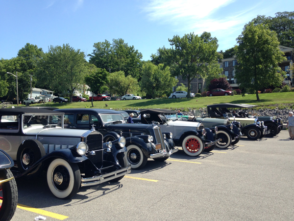 Pierce Arrow autos on display in Lewiston.