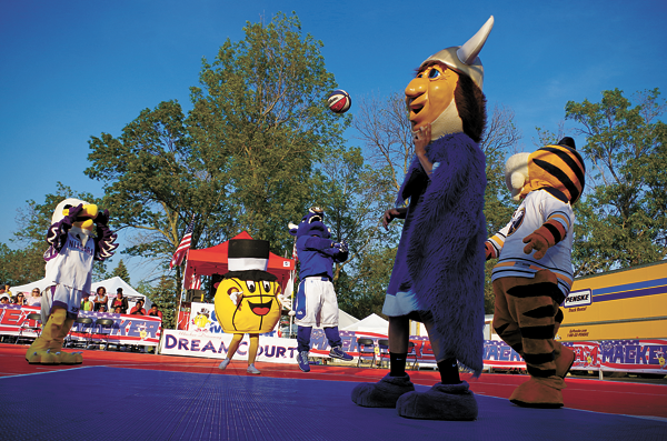 The Macker mascot game took place Friday, pitting, from left: Monte the Eagle, mascot of Niagara University Purple Eagles; Gus Macker; Victor E. Bull, the mascot of the UB Bulls; the Grand Island Viking, and Sabretooth of the Buffalo Sabres. (Photo by Larry Austin and K&D Action Photo and Aerial Imaging)