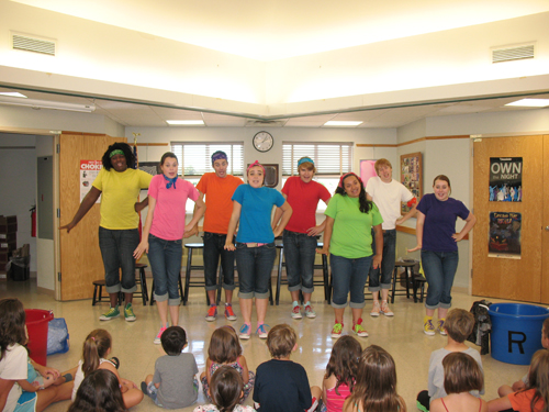 The Niagara University Repertory Theatre visited the library on Monday, Aug. 6.