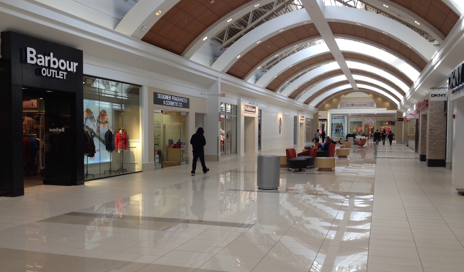 The fashion outlets of niagara falls succeeds with new for Fashion outlet