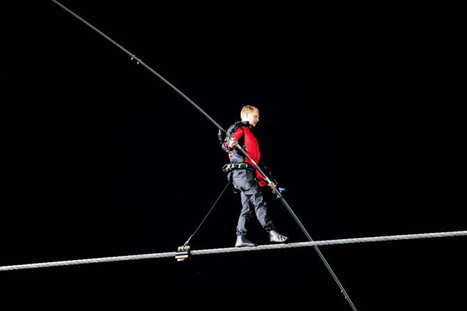Nik Wallenda (photo by Kevin and Dawn Cobello/K&D Action Photo)