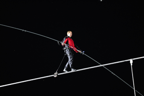 Nik Wallenda successfully crossed over Niagara Falls on a high wire. (photo by Kevin and Dawn Cobello/K&D Action Photo)