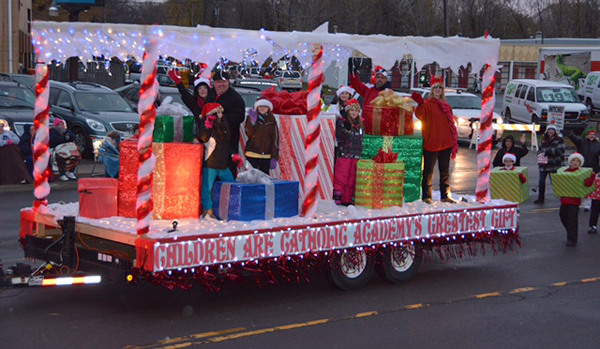 Parade participants bring on the holiday season during last year's Electrics Light Parade. (Photos by Town of Niagara Councilman Marc M. Carpenter)
