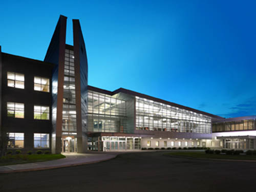 Union Free School District Middle School in Roosevelt, N.Y. was among the three Cannon Design projects recognized at the recently held 2011 Design Awards Gala at the 20th Century Club in Buffalo.