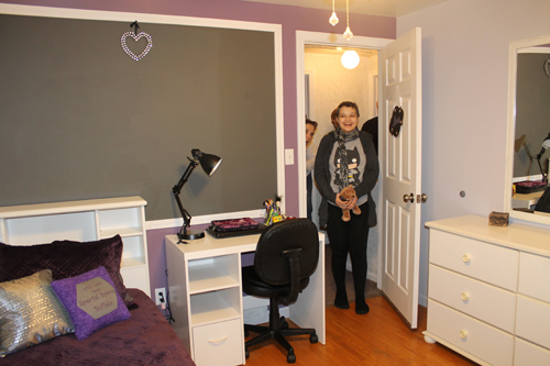 Ilana sees her room for the first time after coming home from surgery.