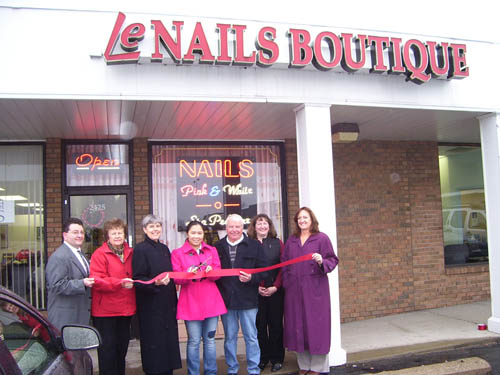 LeNails Boutique celebrated a ribbon-cutting last week, with members of the Grand Island Chamber of Commerce and town government officials present. Pictured above, from left, Robert Ratajczak, chamber second vice president; Bonnie Sciuk, chamber director; Mary Cooke, town supervisor; Jenny Tran, new owner of LeNails; Gary Roesch, town council member; Colleen Rebmann, chamber member; and Liz Wilbert, chamber director.