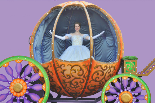 Elon University's Emilie Renier stars as Cinderella at Artpark.