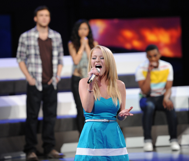`American Idol`: Hollie Cavanagh was eliminated on Thursday. (photo by Michael Becker/FOX)