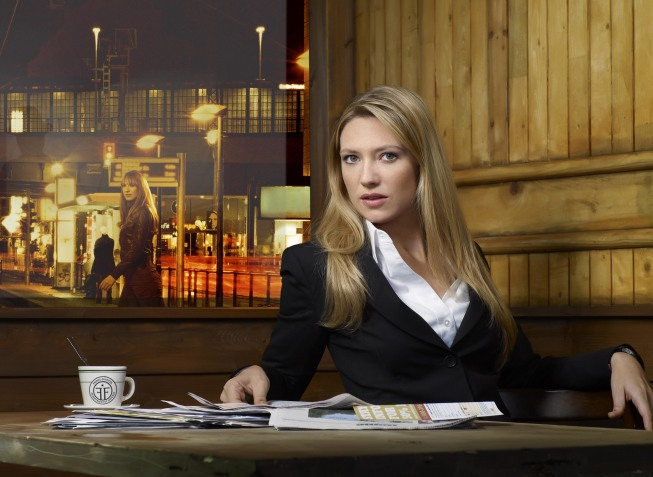 Anna Torv stars as FBI agent Olivia Dunham on `Fringe.` (copyright Fox; Fox photo by Smallz and Raskind)
