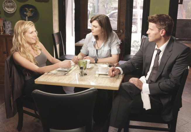 Booth (David Boreanaz) introduces his new girlfriend, Hannah (guest star Katheryn Winnick), to Brennan (Emily Deschanel) in the `Bones` episode `The Couple in the Cave` airing Thursday, Sept. 30 (8 p.m.), on Fox. (photo ©2010 Fox Broadcasting Co./Cr: Adam Taylor/Fox)