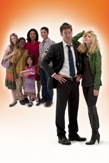 Brooke White (Sally Danville) and Joe Flanigan (Jason Danville) star in `Change of Plans` on FOX. Also pictured, from left, are Jayme Lynn Evans, Jakobe Dempsey, Clarissa Suwoko, Phylicia Rashad and Bobby Soto. (photo ©2010 Fox/Cr: FOX)