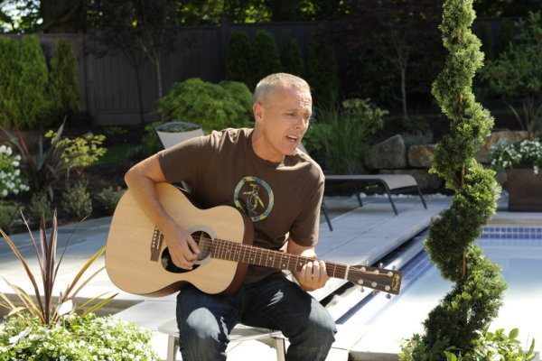 Curt Smith of Tears For Fears guests in the `Psych` episode `Shawn 2.0.` (photo by Alan Zenuk/USA Network)